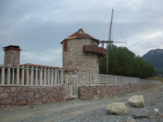 Alte Windmühle in Kömen